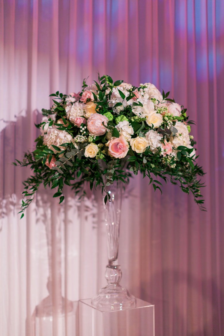 luxury wedding flowers at claridge's hotel mayfair by amie bone flowers
